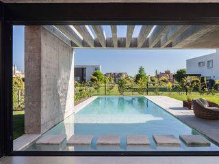 Schwimmbecken 8,0 x 3,75 x 1,50 Swimmingpools Manufacture Moderne Pools