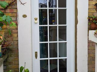 Doors portfolio Repair A Sash Ltd 玄関ドア 木 白色