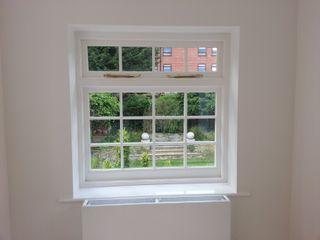 Casement windows portfolio Repair A Sash Ltd 木製サッシ エンジニアリングウッド 白色