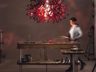 Skapetze Lichtmacher Eclectic style living room Red