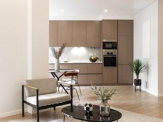 Hoost - Home Staging KitchenCabinets & shelves