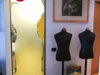 ibedi laboratorio di architettura Modern Corridor, Hallway and Staircase Glass White