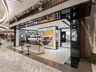 Kroma Photo Oficinas y tiendas Acabado en madera