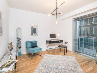 Luxus-Appartementwohnung im Hamburger Hafenbereich wohnhelden Home Staging Industriale Arbeitszimmer