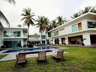 Casa L Struo arquitectura Casas unifamiliares Blanco