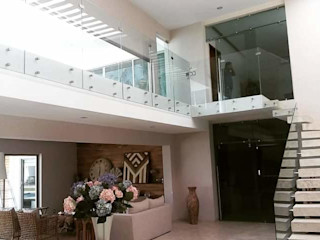 Casa L Struo arquitectura Casas unifamiliares Madera Blanco