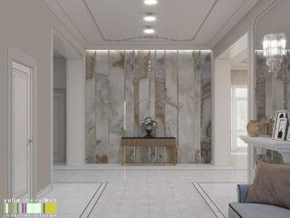 Мастерская интерьера Юлии Шевелевой Classic corridor, hallway & stairs