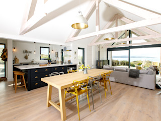 Low Energy Home in an area of outstanding natural beauty in Cornwall. Arco2 Architecture Ltd Modern dining room