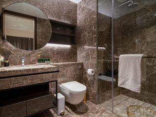 Amber 45 Mr Shopper Studio Pte Ltd Modern bathroom