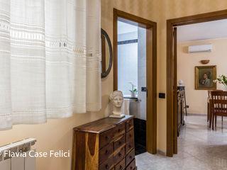 Flavia Case Felici 經典風格的走廊,走廊和樓梯