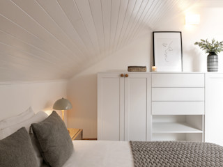 Hoost - Home Staging BedroomWardrobes & closets