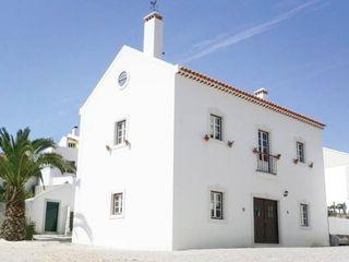 maria inês home style Mediterrane Häuser