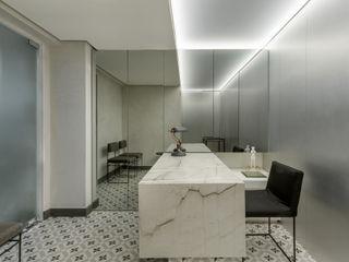 SAINZ arquitetura Phòng khám Gạch ốp lát White
