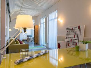 custom casa home staging Ruang Studi/Kantor Gaya Industrial