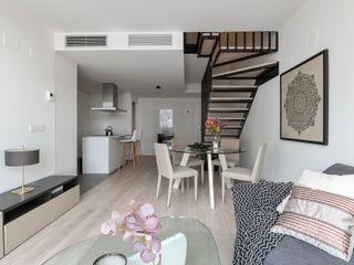 custom casa home staging Ruang Makan Modern