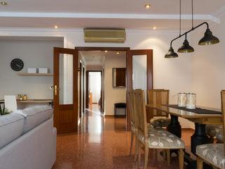 custom casa home staging Ruang Makan Gaya Eklektik