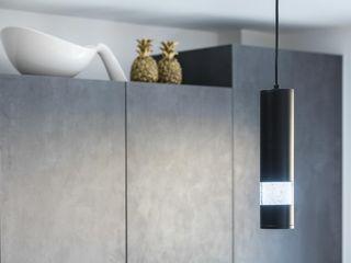 Modern in Tones of Grey PTC Kitchens Вбудовані кухні Сірий