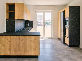 Fab Arredamenti su Misura Built-in kitchens Wood Wood effect