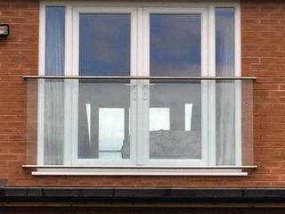 Juliet Balcony in Harrogate Origin Architectural Balkon Szkło Przeźroczysty