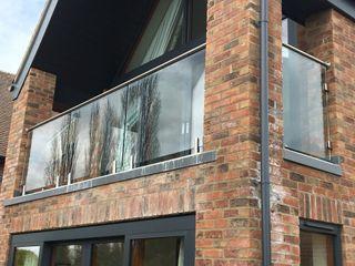 Frameless Glass Balcony in Kilmarnock Origin Architectural Balkon Szkło Przeźroczysty