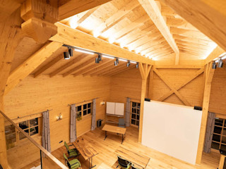 Skapetze Lichtmacher Country style offices & stores