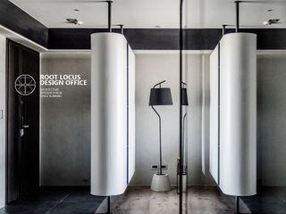 築本國際設計有限公司 Eclectic style corridor, hallway & stairs