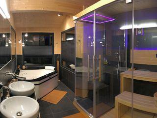 Skapetze Lichtmacher Modern bathroom