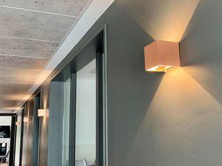 Skapetze Lichtmacher Modern corridor, hallway & stairs
