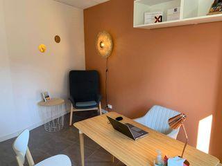 JR Interior Design Clínicas y consultorios médicos de estilo moderno