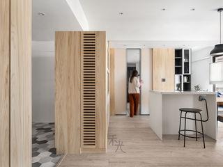 禾光室內裝修設計 ─ Her Guang Design Asian style corridor, hallway & stairs Wood effect