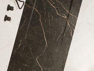 Obsidiana – el calor a tus piés gracias al negro y dorado Bosnor, S.L. BañosBañeras y duchas