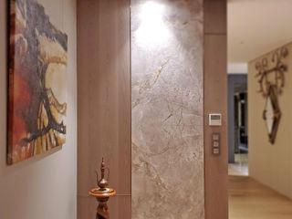 大直西華富邦 - 私領域空間 以恩室內裝修設計工程有限公司 斯堪的納維亞風格的走廊,走廊和樓梯