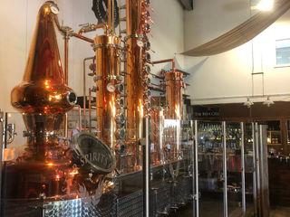 Glass Balustrade for Lancaster Brewery Origin Architectural Nowoczesna piwnica win Szkło Przeźroczysty