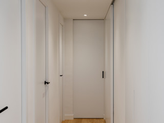 Studioapart Interior & Product design Barcelona 走廊 & 玄關 White