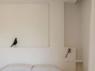 Studioapart Interior & Product design Barcelona 臥室 White