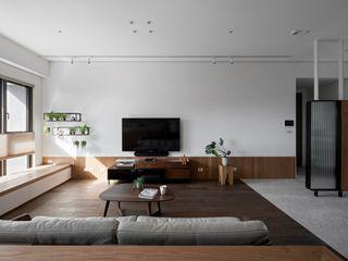 MSBT 幔室布緹 Modern living room Wood effect