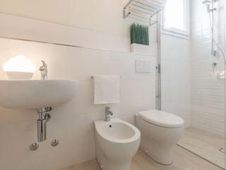 ALLESTIMENTO E SERVIZIO FOTOGRAFICO per il golosissimo PAN DI ZENZERO Mirna Casadei Home Staging Bagno moderno