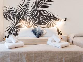 RELOOKING PER UNA CAMERA D'ALBERGO a Igea Marina Mirna Casadei Home Staging Camera da letto moderna