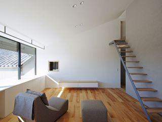 空間建築-傳 Soggiorno in stile asiatico Bianco