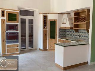 Mobili di vera qualità, unici ed eterni! Falegnameria Conca CucinaContenitori & Dispense Legno composito Effetto legno