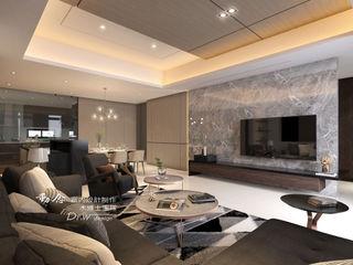 西屯區透天別墅 木博士團隊/動念室內設計制作 现代客厅設計點子、靈感 & 圖片
