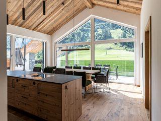 S.N.O.W. Planungs und Projektmanagement GmbH Modern kitchen