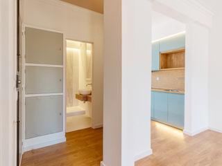 FEMMA Interior Design Modern walls & floors Wood White