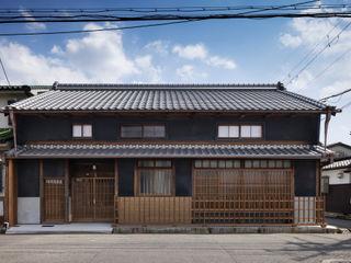 小笠原建築研究室 Wooden houses Solid Wood Black
