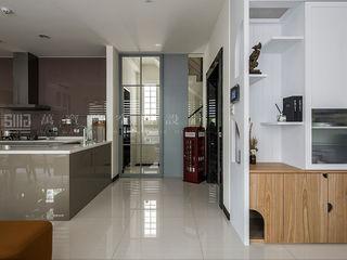 SING萬寶隆空間設計 Scandinavian corridor, hallway & stairs