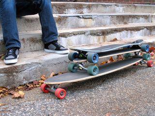 Difference Between Longboard and Skateboard Home Renovation غرفة المعيشة