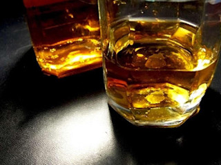 11 types of whiskey that perfect for your home bar Home Renovation غرفة السفرة