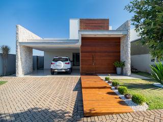 Casa no Royal Boulevard Residence Resort Santos Arquitetura Modern houses