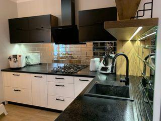 Luxum Cucina in stile classico Vetro Metallizzato/Argento