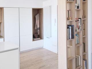 Spazio 14 10 Modern corridor, hallway & stairs